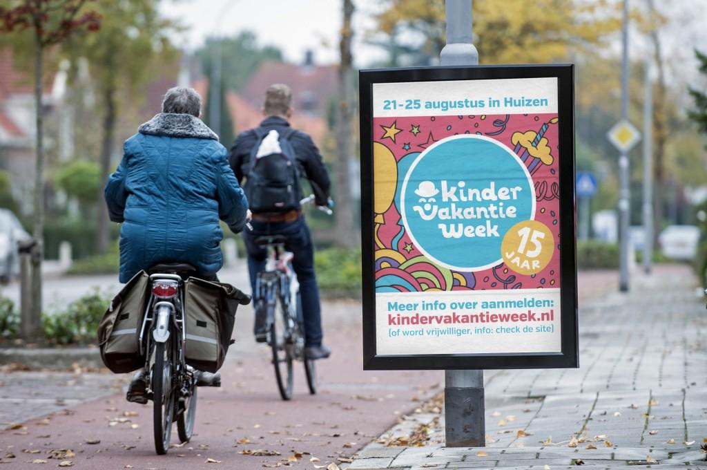Ontwerp advertentie poster driehoeksbord Kindervakantieweek Huizen